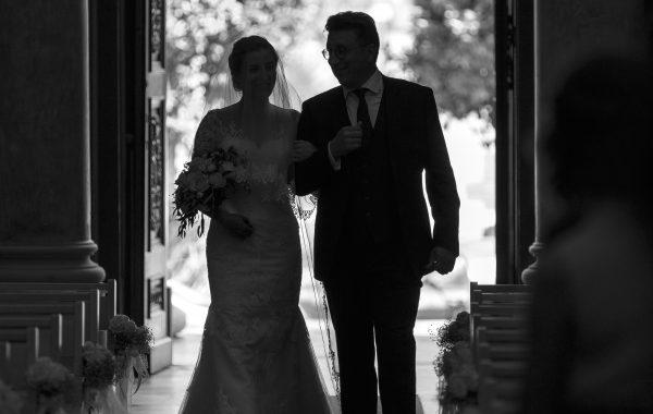 La cérémonie – photo de mariage en noir et blanc