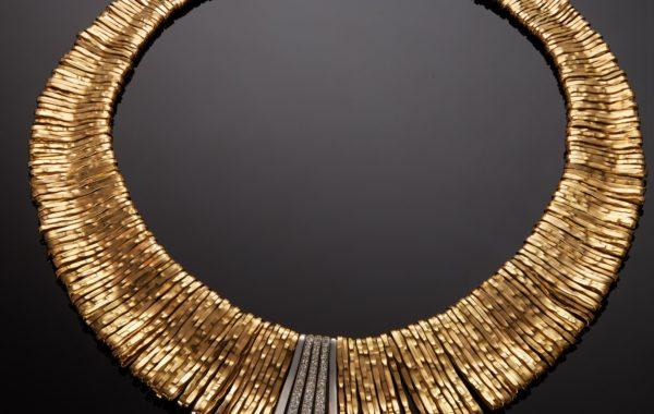 Collier or jaune, or blanc et diamants